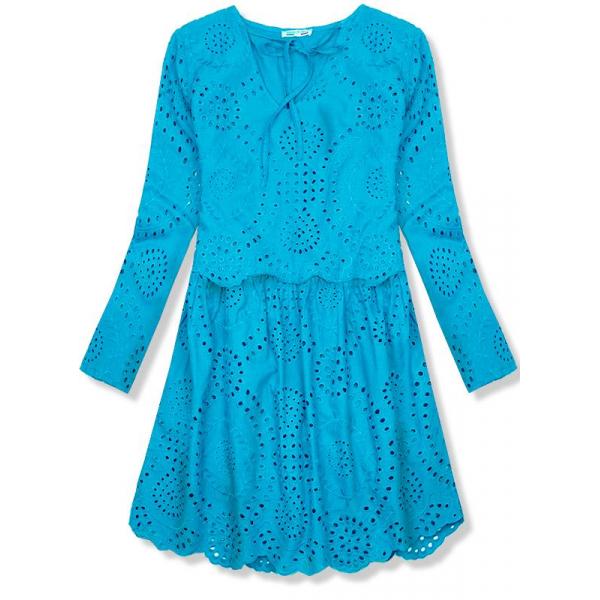 Tyrkysové šaty z dierovaného materiálu